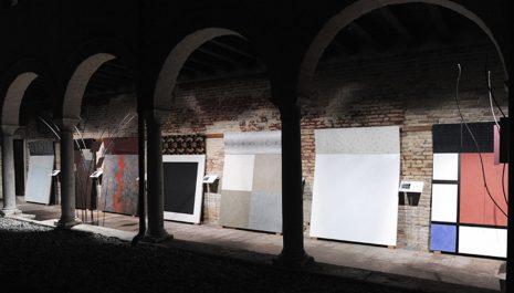 colorificio san marco biennale 2010 allestimento interni architettura progettazione showroom allestimento sale mostre 01