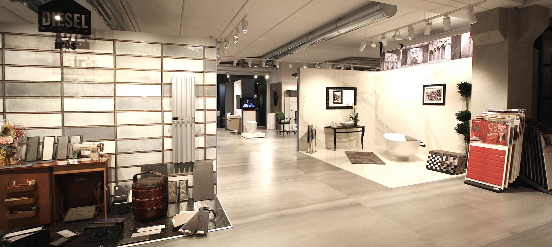 Corti showroom ceramica e arredobagno for Showroom arredo bagno